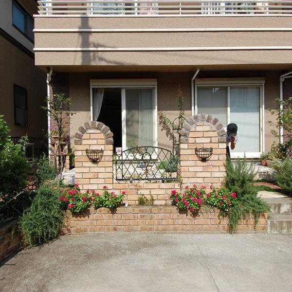 2007年11月  東京都町田市 A邸 フェンス設置 + レンガ水栓 設計+施工