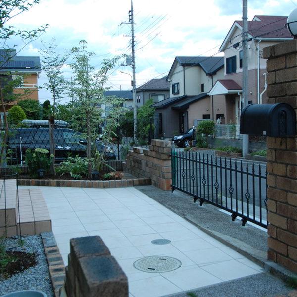 2014年04月  東京都八王子市 K邸 駐車場 + アプローチ 設計+施工